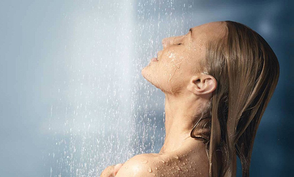 เหตุผลที่คุณไม่ควร อาบน้ำ มากเกินไป
